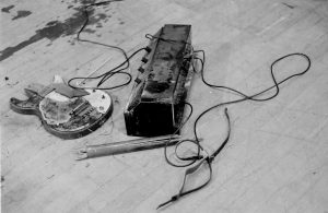 guitar-amp-destroyed2